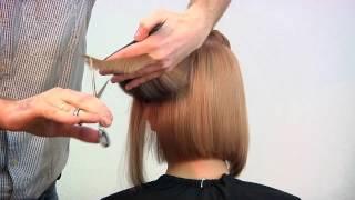 Смотреть онлайн Стильное каре на прямые волосы