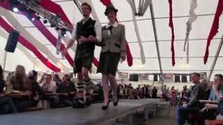 preview picture of video 'gmahde Wiesn ... Erste Dirndl u.Trachten Modenschau Haderner Dorffest 2013 ... Stummfilm dank GEMA'