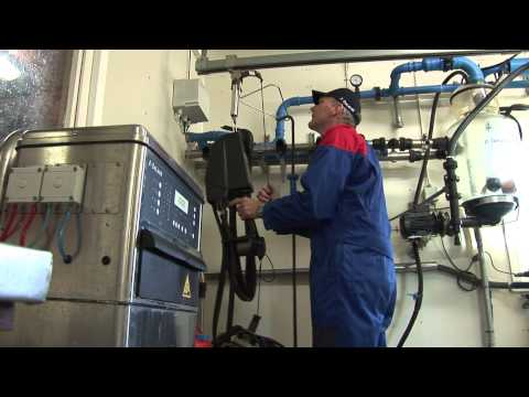 DeLaval DelPro bås rørmelkingssystem - film på YouTube