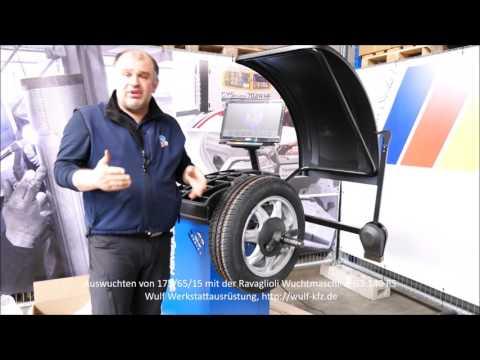 Auswuchten eines 15 Zoll Rades mit einer Ravaglioli G3.140RS Reifenwuchtmaschine
