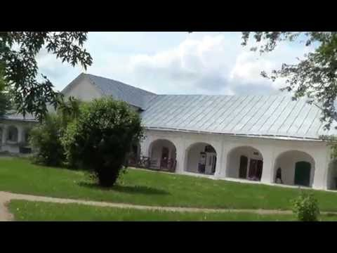 Осенний пейзаж с церковью левитана