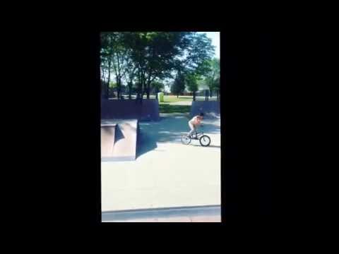 Chainless sesh at hupp skate park