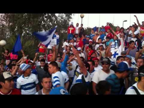 """""""El orgullo de ser cruzado"""" Barra: Los Cruzados • Club: Universidad Católica"""