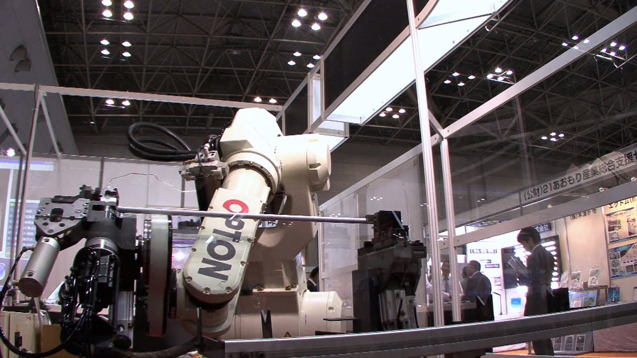 This Pipe-Twisting Robot Is Bender's Great-Great-Great-Grandfather