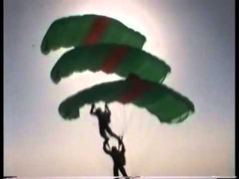 Lancio con paracadute ad apertura ritardata