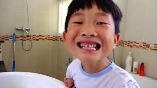 양치질과 손씻기 놀이 예준이의 치카치카 깨끗한 바른생활 학교놀이 Toothbrush Hand Wash Funny Video for Kids Pretend Play