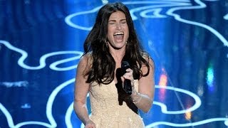 """Let It Go"" Performance At 2014 Oscars  Idina Menzel WOWS!"