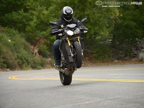 2014 BMW S1000R - 4cyl Streetfighter Shootout Part 3 - MotoUSA