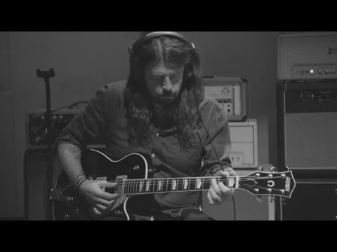 Dave Grohl - Play [Isolated Guitar 2]