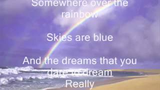 Judy Garland - Somewhere over the rainbow lyrics.mp4