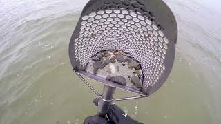 Подводный поиск с металлоискателем на море