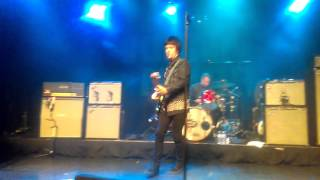 Johnny Marr back in the box and still ill. 3 5 16 El Rey Theater Los Angeles