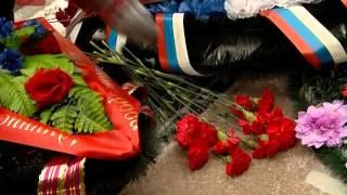 В областном центре проходят возложения цветов к воинским захоронениям, бюстам и мемориалам