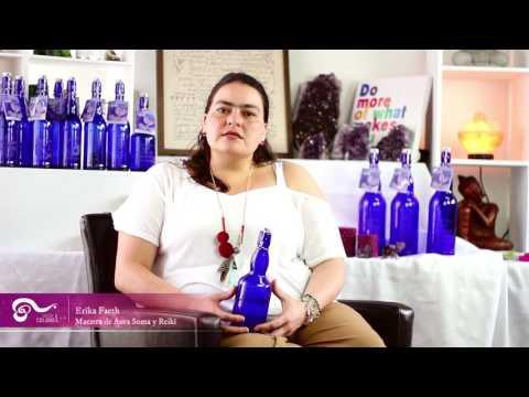 Botellas azules para purificar e intencionar el agua