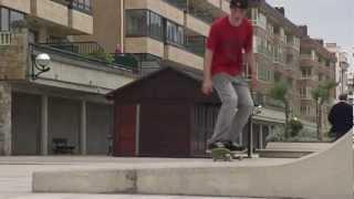 preview picture of video 'Zarautz  - Freestyle skate sk8 BMX -  Euskadi Surf TV'
