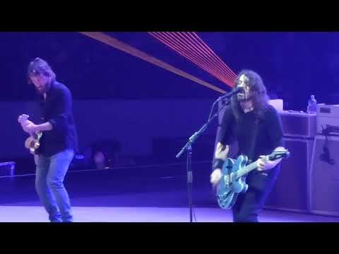 "Foo Fighters - ""Concrete and Gold"" First Ever Performance, Live at The Richmond Coliseum on 10/14/17"