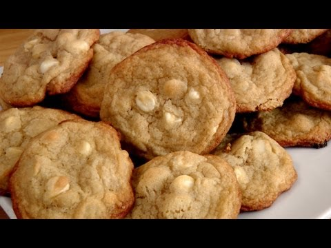 White Chocolate Macadamia Nut Cookies - Laura in the Kitchen Episode 170