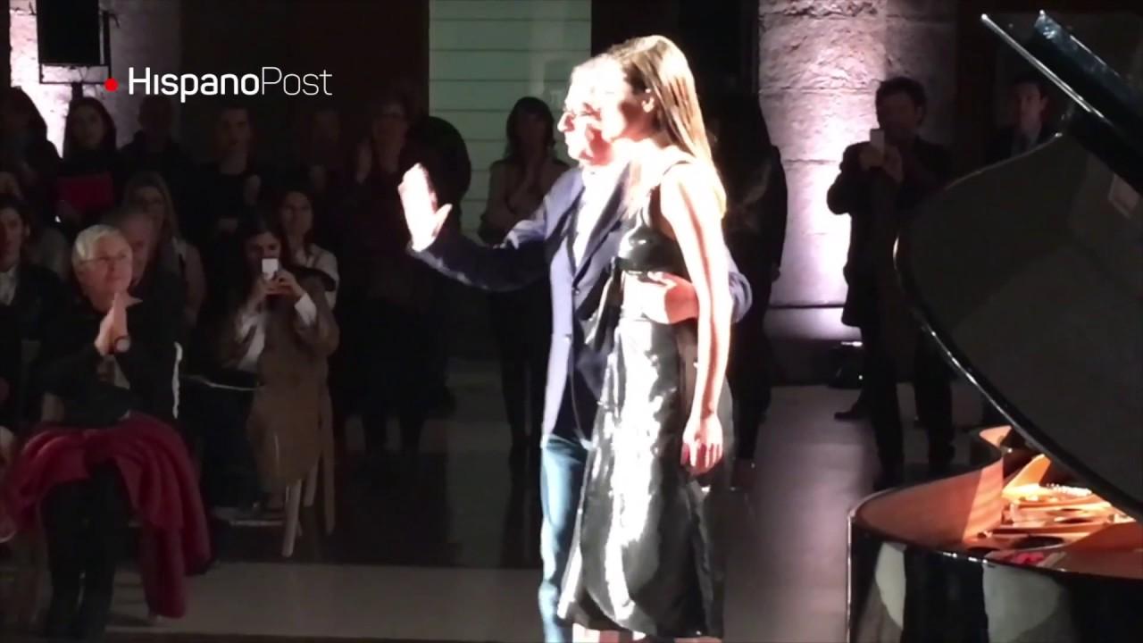 Desfile de Roberto Verino mezcló moda y política