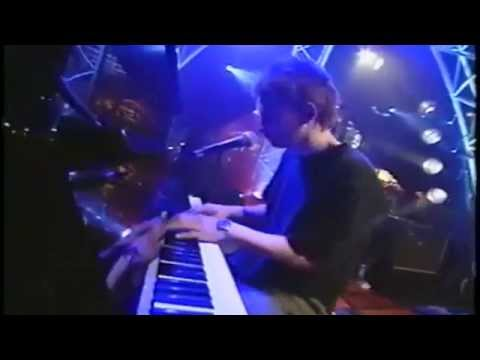 Radiohead - Like Spinning Plates (Live at Musique Plus Montreal 2003) HD