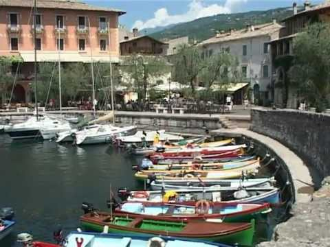 Torri del Benaco Lago di Garda.mp4
