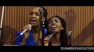 YESU Kumusaraba Yadupfiriye Twese Yaduhuje N'IMANA Niyo Data Wa Twese || REHOBOTH & ALARM MINISTRIES