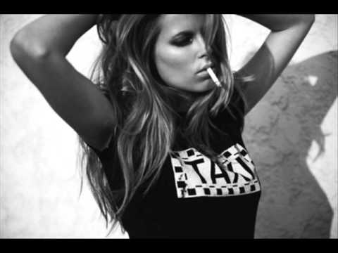 , title : 'Jay Z ft  Beyoncé - Bonnie & Clyde'
