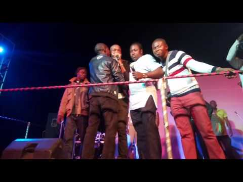MC struggles with Tuface at MARE 2015