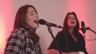 Erin Enderlin and Terri Clark sing No Fear