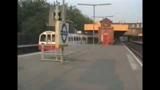 preview picture of video 'I each at Willesden Green station.'