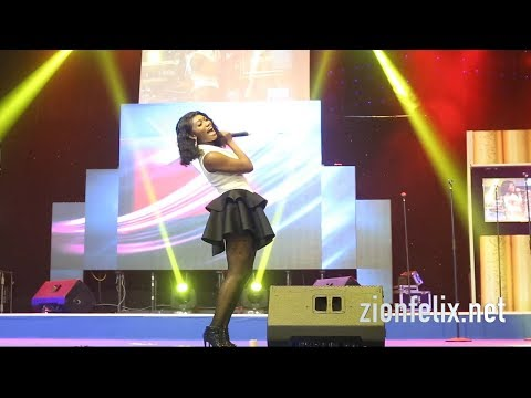 Video: Wendy Shay worships on church stage in sexy outfit