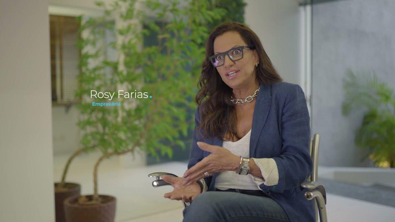 A vontade de transformar vidas levou Rosy Fharia a se especializar em alongamento e prótese capilar. Hoje, além de ajudar as pessoas a recuperarem a autoestima, ela também compartilha seu conhecimento em um curso online e vende seus produtos com a parceria da Cielo.