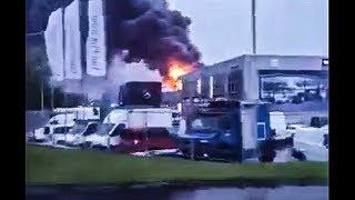Pożar Salonu Mercedesa - Dojazd Części Sił I środków - Wrocław 15.05.2019.