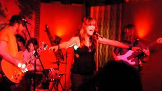 It's Me and Right Now by The Shakers @ Jazzy Java - HD