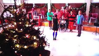 Glee: Sue judges the Christmas tree contest (508)