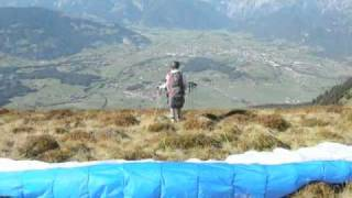 preview picture of video 'Schwalbenwand  Paragliding  Flug'