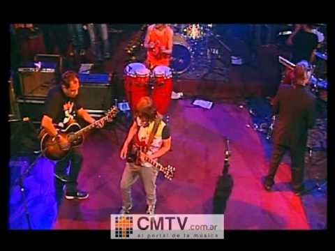 Los Auténticos Decadentes video La prima lejana - CM Vivo 2009
