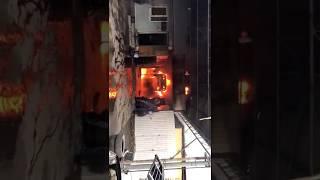 Автомобиль загорелся на шиномонтажке в пятигорске.26.12.2017