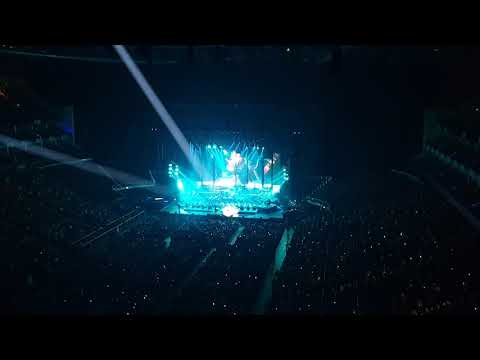 The World of Hans Zimmer London 2019 @ Hans Zimmer walks onto the stage