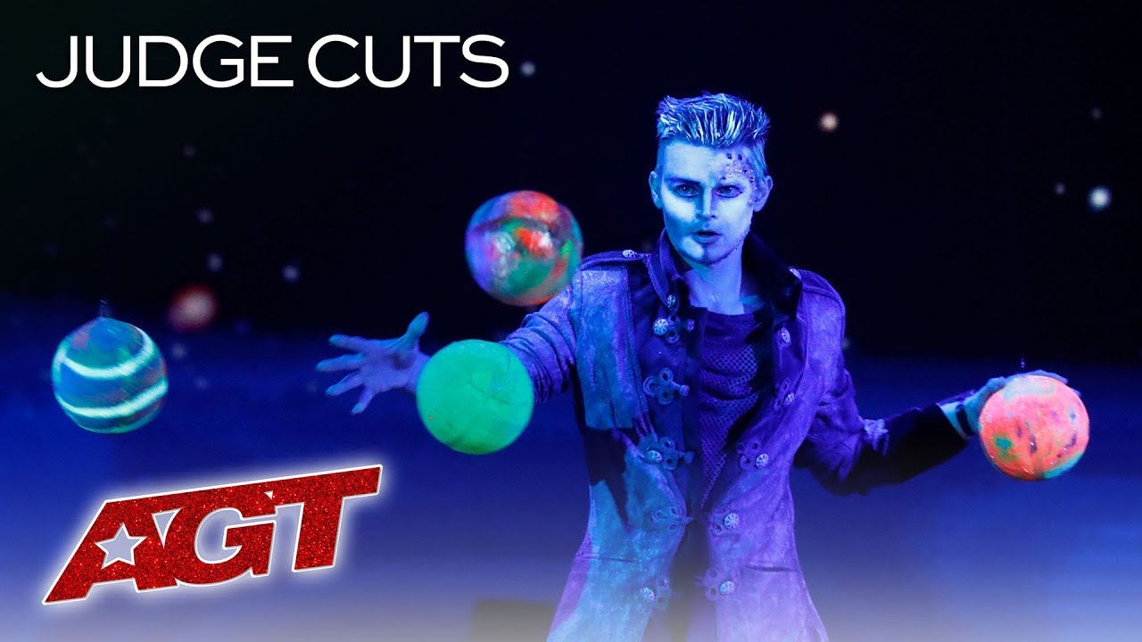 Viktor Moiseev's Horizontal Juggling Is Out Of This World! - America's Got Talent 2019 thumbnail