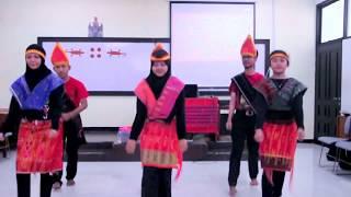 Tari Tor Tor Batak Gondang Marhusip Mahasiswa Kreatif Politeknik Keuangan Negara STAN