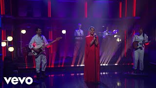 Jessie Ware   Selfish Love (Live On Late Night With Seth Meyers2018)