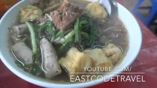 Banh Da Cua  Vietnamese Crab Flavoured  Rice Noodle Soup  Ha Noi
