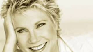 Anne Murray - He Thinks I Still Care