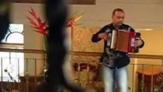 Nos Enga - Luis Mateus feat. Uriel Henao (Video)