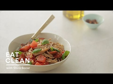 No Cook: Tomato Sauce with Farro Spaghetti and Marcona Almonds – Eat Clean with Shira Bocar