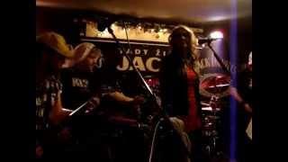 Video CAERRION - Z temnoty (útok plyšáků :-))