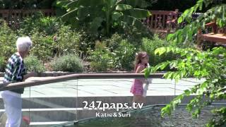 СУРИ КРУЗ, Katie Holmes &Suri Cruise at Central Park Zoo in New York City