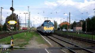 preview picture of video 'MAV Intercity arrived at Füzesabony station, Hungary'