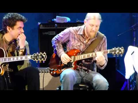 This how far a truly gifted guitarist can push the boundaries of expression through music. Derek Trucks making his guitar scream while playing with BB King.