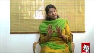 Kanimozhi Takes On Jayalalitha - Ananda Vikatan